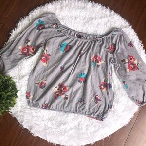 American Eagle Outfitters Gray Floral Crew Neck